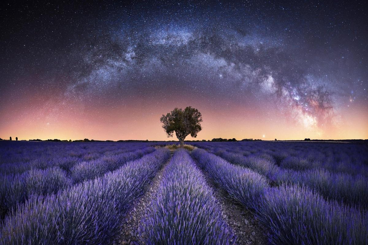 10 bức ảnh đẹp nhất giải Nhiếp ảnh thiên văn của năm 2021