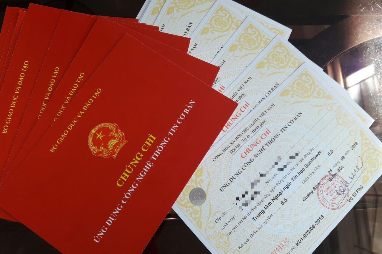 Về nền công chức văn bằng – chứng chỉ ở Việt Nam
