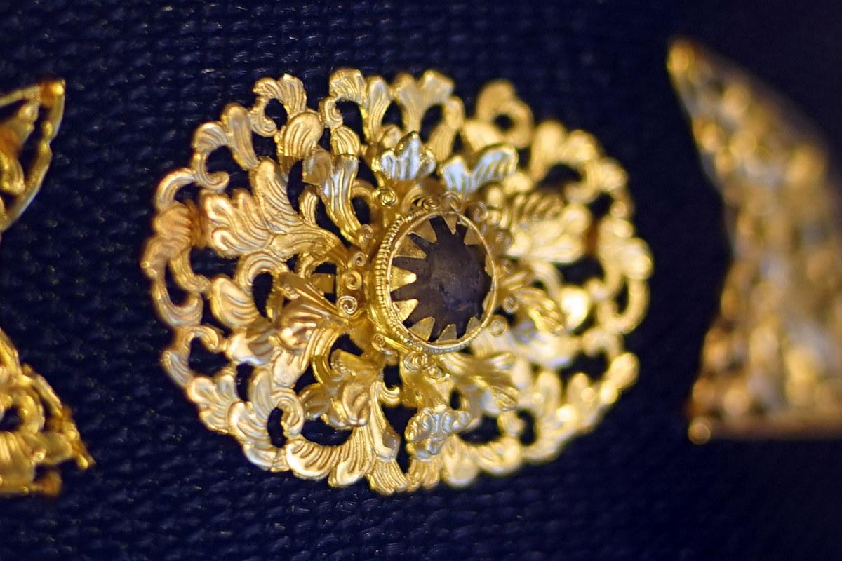Chùm ảnh: Chiếc mũ gắn vàng, nạm ngọc của đại thần nhà Nguyễn