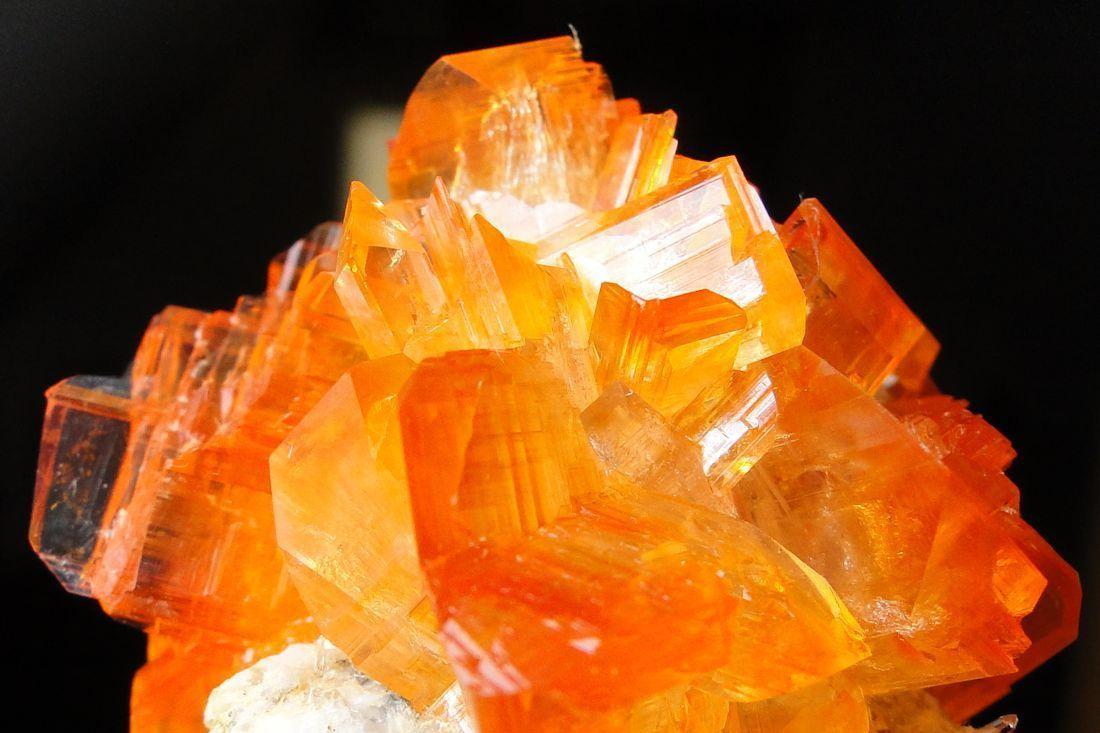 Chùm ảnh: Sự cuốn hút khó cưỡng của các khoáng vật màu cam