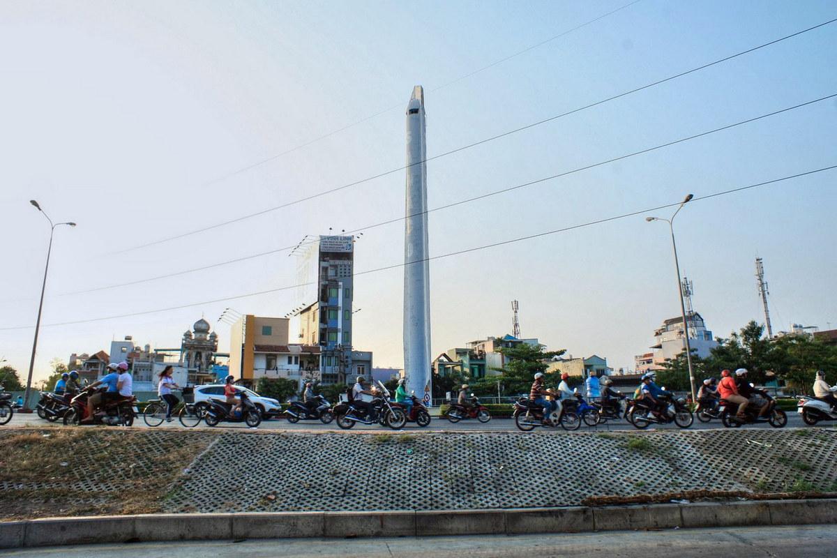 Chủm ảnh: Giải mã hai ngọn tháp kỳ lạ ở Sài Gòn