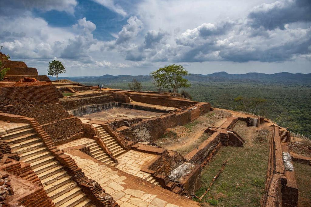 Chùm ảnh: Kiệt tác 'pháo đài sư tử' giữa rừng rậm Sri Lanka