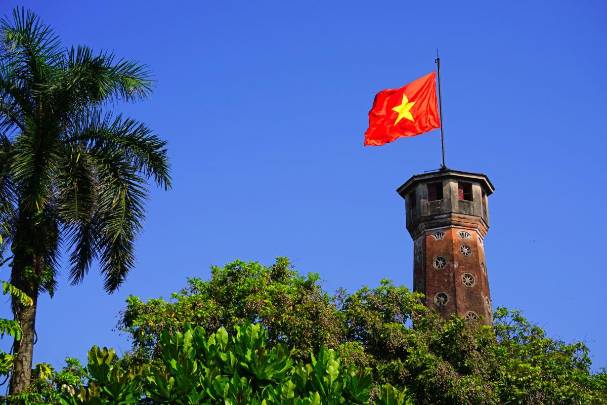 Hợp tác nhóm: Lý thuyết, thực tiễn và hàm ý với đối ngoại Việt Nam