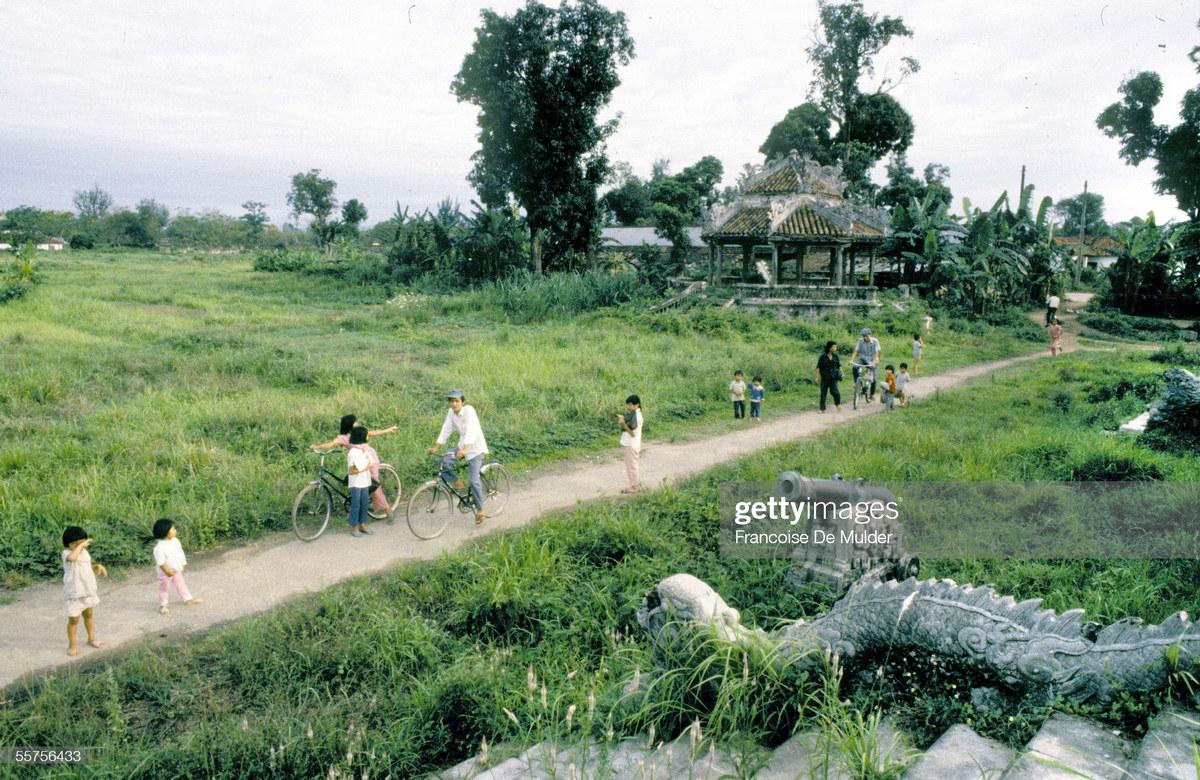 Chùm ảnh: Cảnh tượng lạ ở Hoàng thành Huế năm 1989