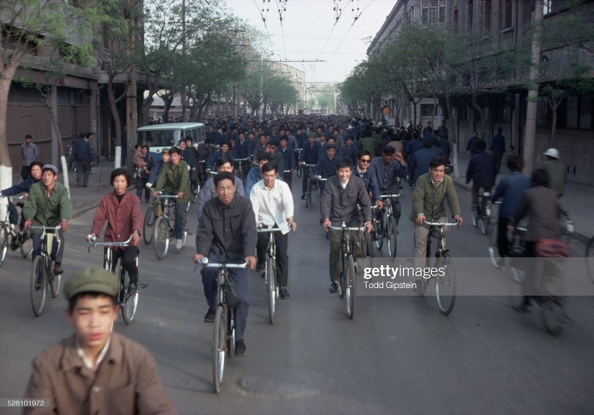 Cuộc sống ở Trung Quốc thập niên 1970 qua ảnh của Todd Gipstein