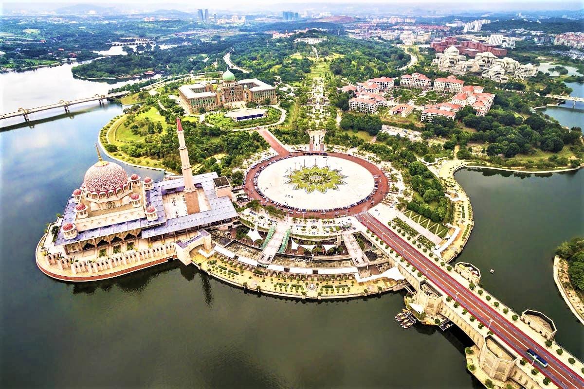 Thủ đô hành chính Putrajaya của Malaysia: Một hình mẫu đô thị xanh