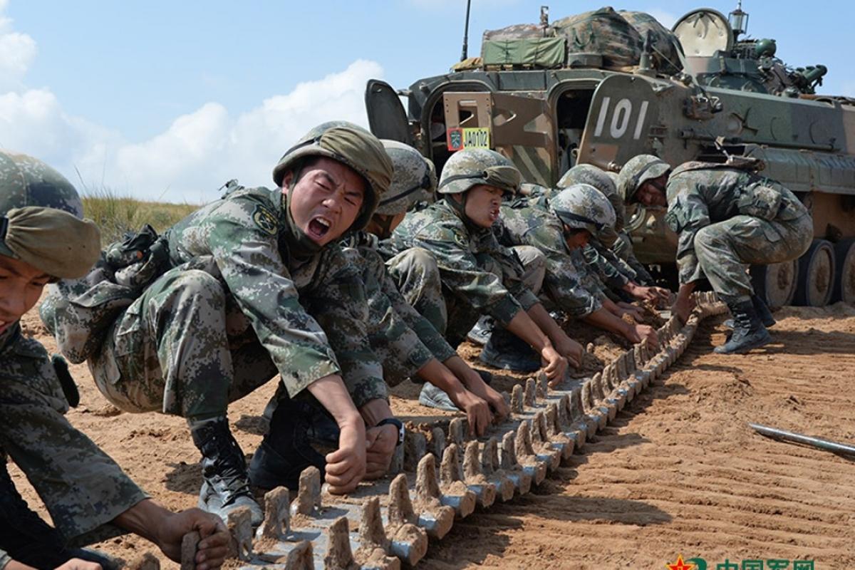 Đâu là 'gót chân Achilles' của quân đội Trung Quốc?