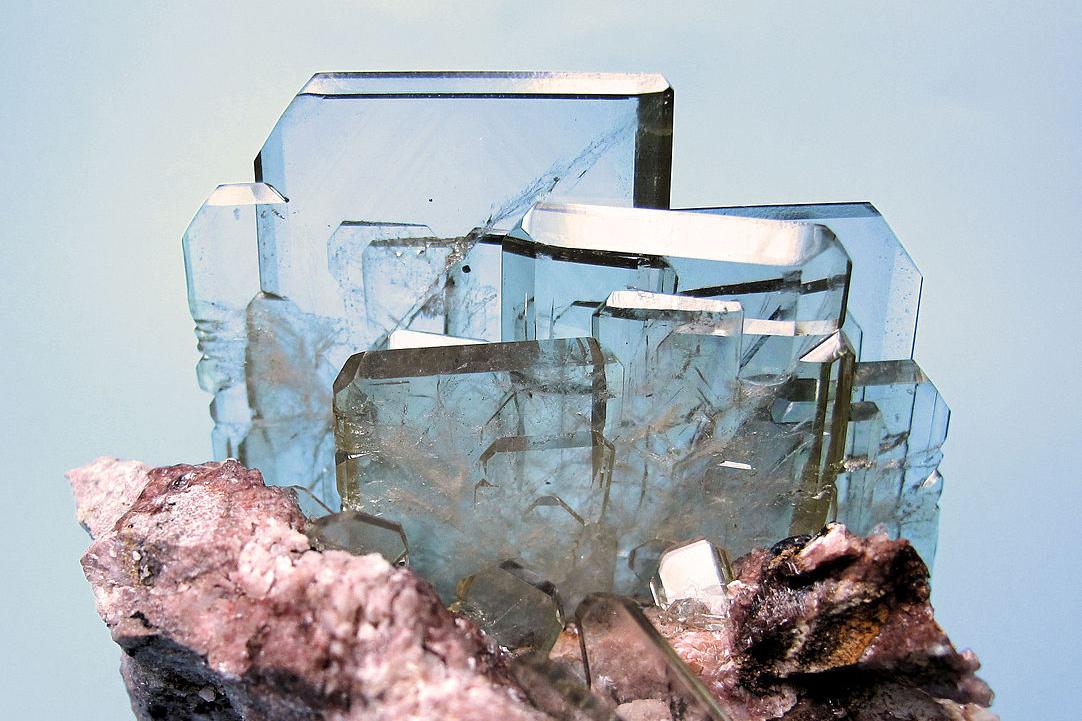 Chùm ảnh: Sự quyến rũ muôn đời của các khoáng vật trong suốt