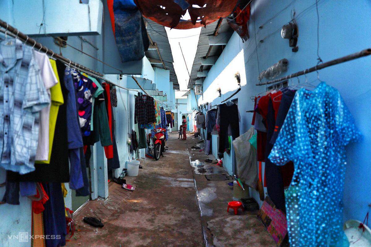 Cơn sốt đất phi lý và bi kịch về nơi ăn chốn ở của công nhân ngoại tỉnh