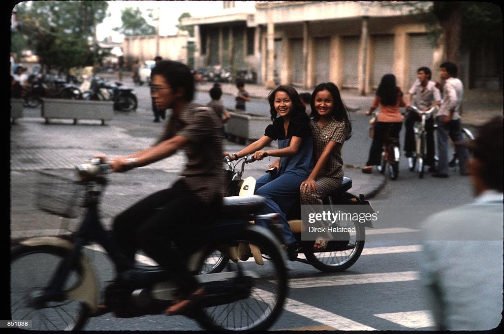 Việt Nam năm 1980 trong ảnh của Dirck Halstead