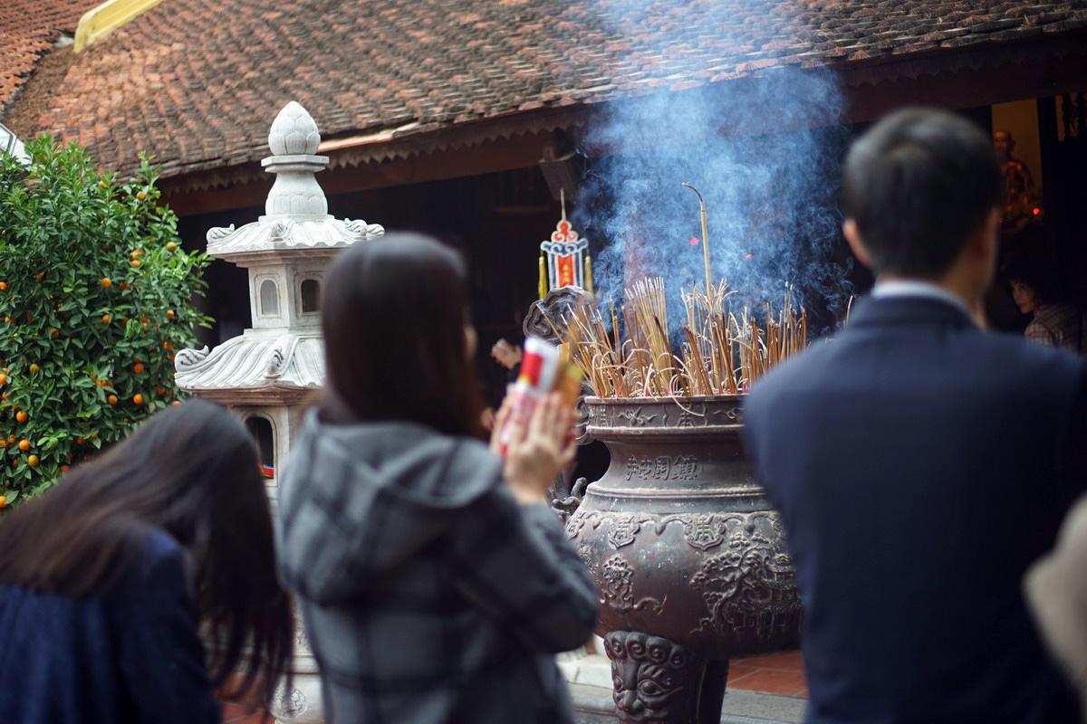 Mang 'Tâm' gì đi lễ chùa đầu năm? - Redsvn.net