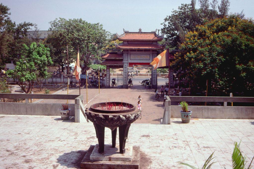 Redsvn Saigon 1989 Elmar Reich 02