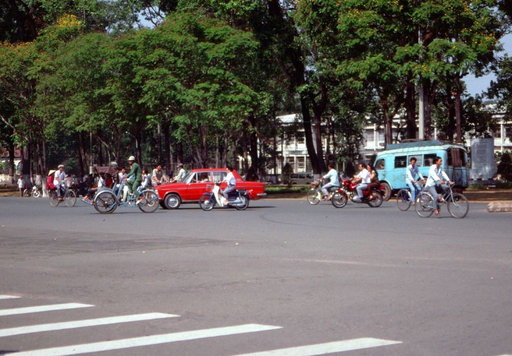 Redsvn Saigon 1989 Elmar Reich 35