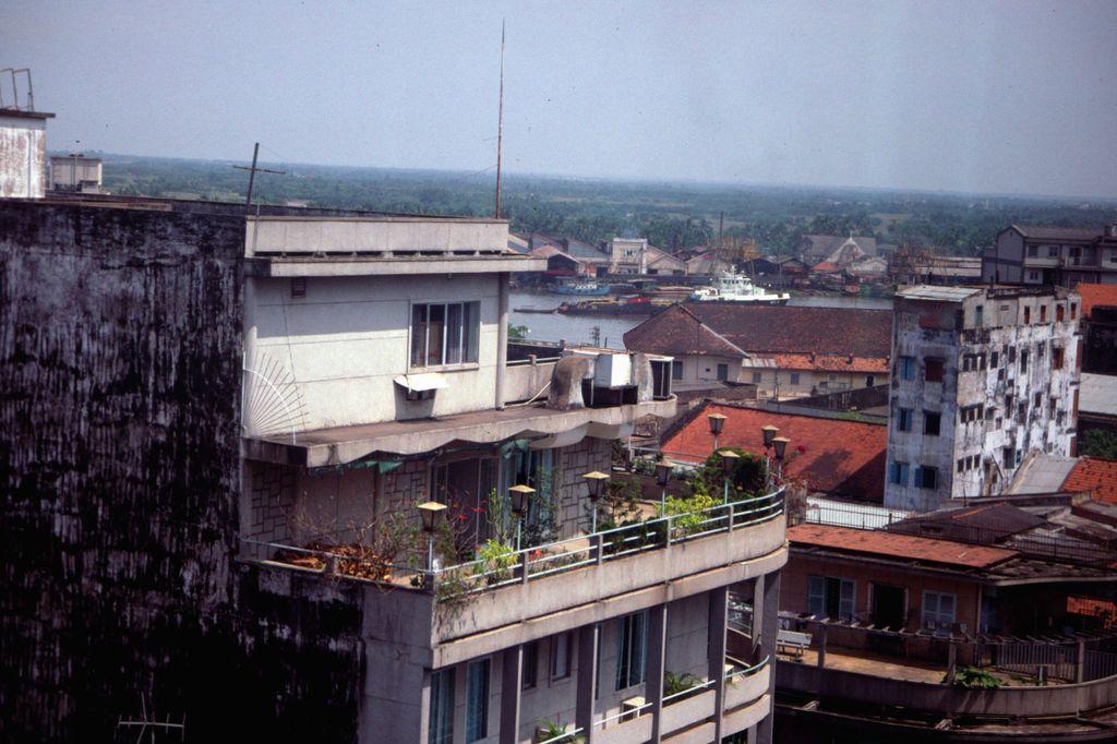 Redsvn Saigon 1989 Elmar Reich 52