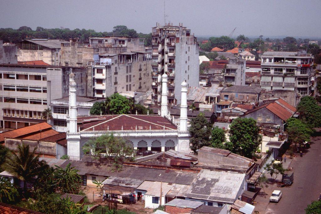 Redsvn Saigon 1989 Elmar Reich 54