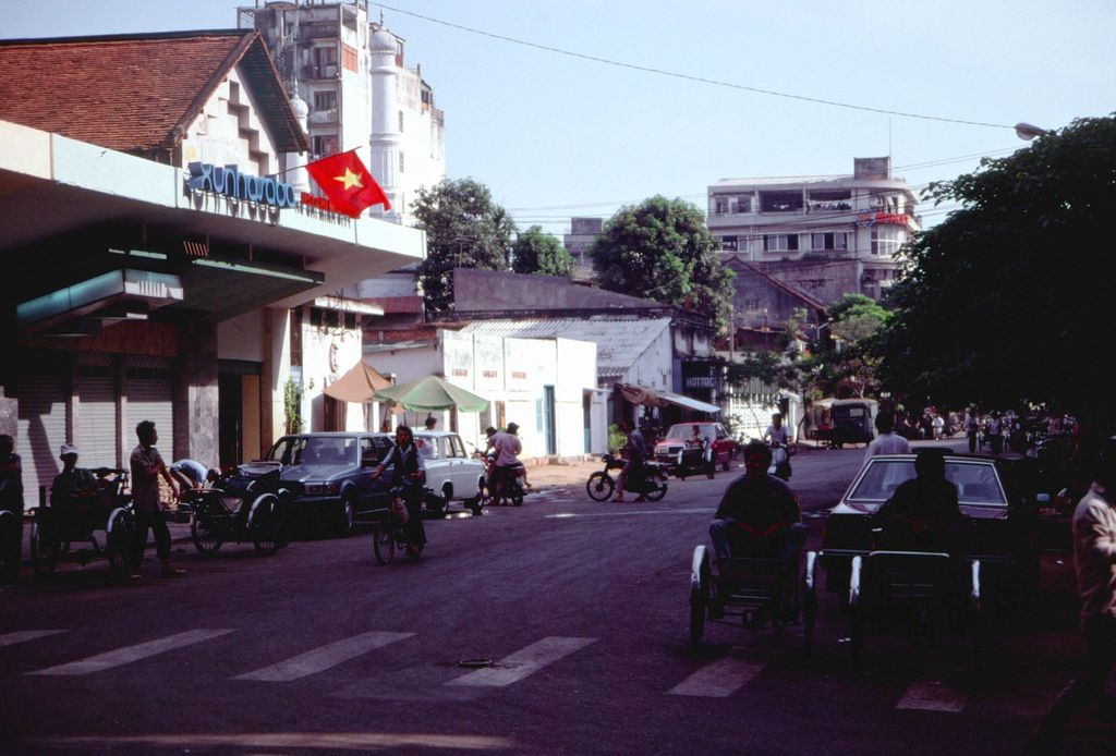 Redsvn Saigon 1989 Elmar Reich 56