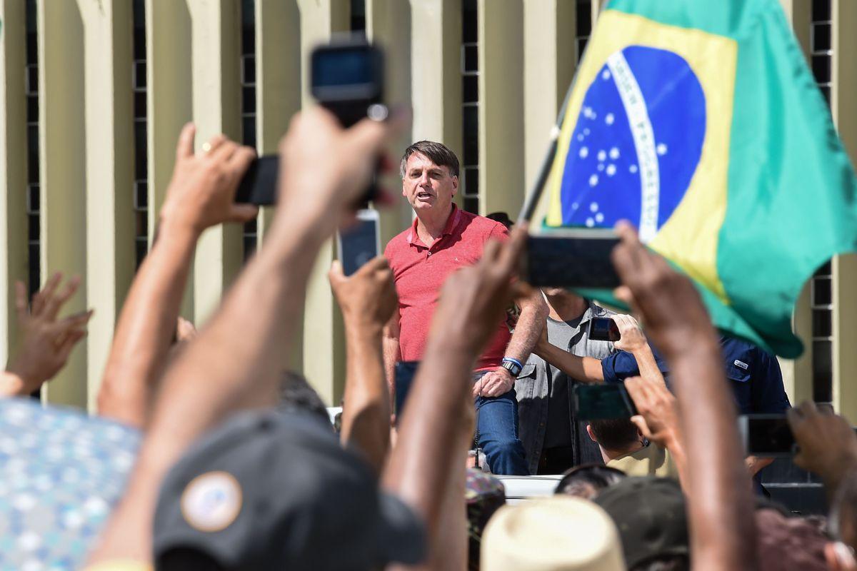 Tổng thống Bolsonaro và tấn thảm kịch COVID-19 ở Brazil